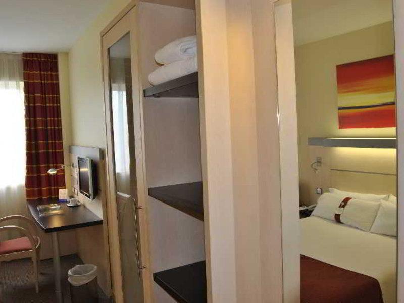 Holiday Inn Express Pamplona Wohnbeispiel