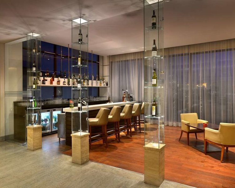 Four Points by Sheraton New Delhi Airport Highway Restaurant
