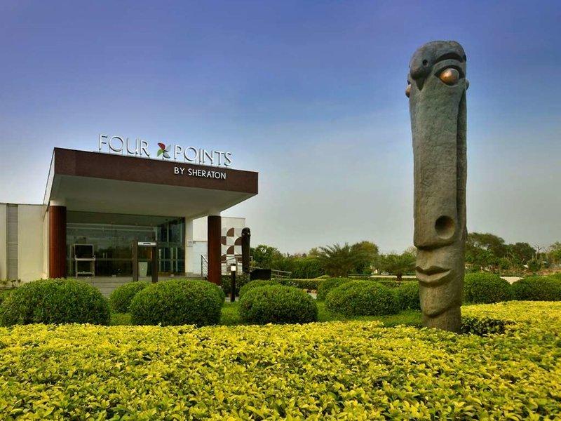 Four Points by Sheraton New Delhi Airport Highway Außenaufnahme
