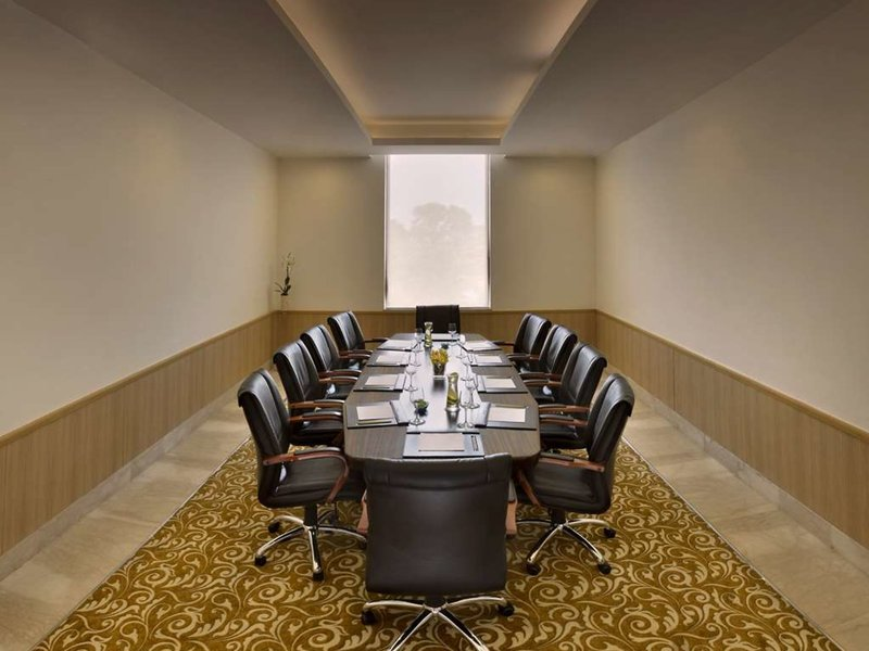 Four Points by Sheraton New Delhi Airport Highway Konferenzraum