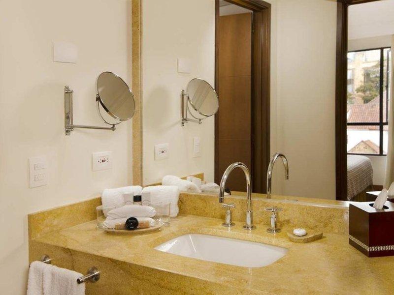 Embassy Suites by Hilton Bogota Rosales Badezimmer