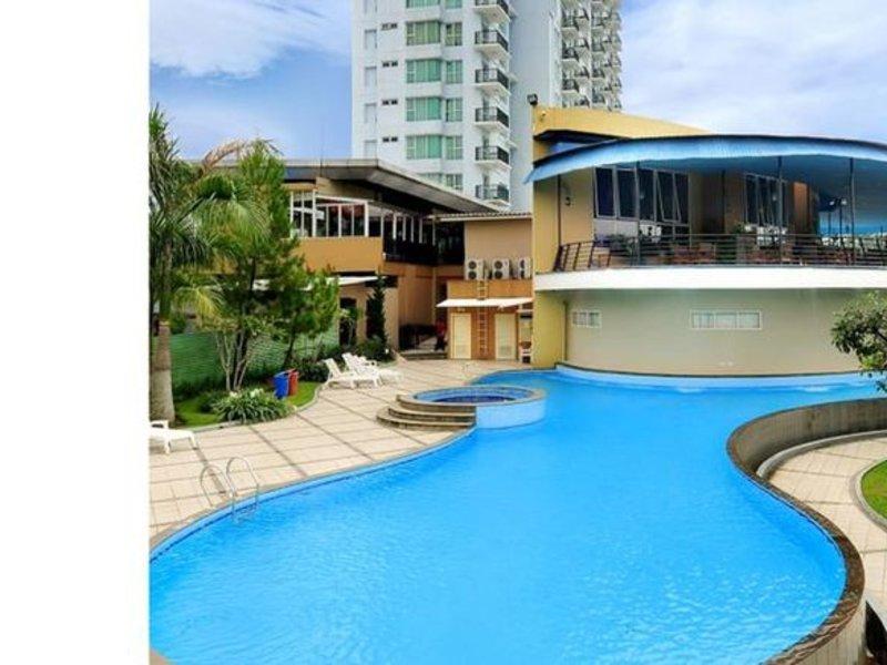 Marbella Suites Bandung Pool