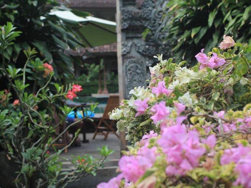Bakung Sari Resort Garten
