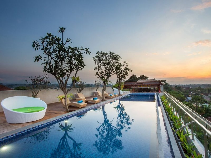 Maxonehotels at Ubud Pool