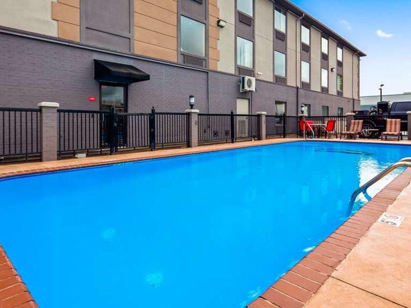 Best Western Plus Jackson Downtown-Coliseum Pool