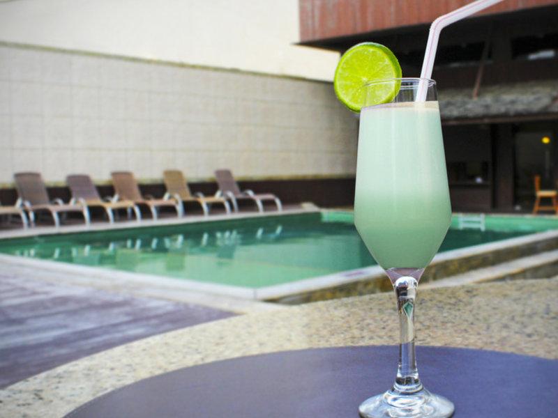 Carmel Magna Praia Hotel Hallenbad
