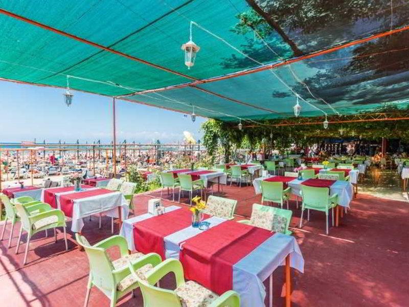 Heaven Beach Apart Restaurant