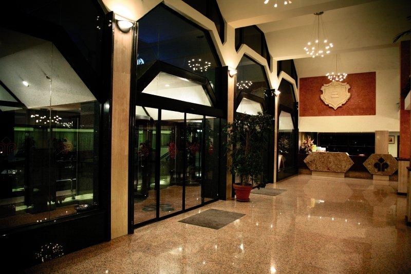 Qawra PalaceLounge/Empfang