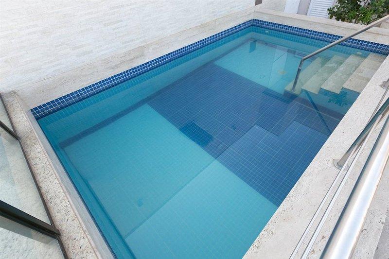 Atlantico Rio Pool