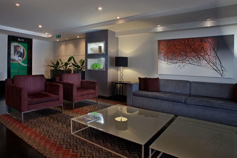 Quality Suites Alphaville Lounge/Empfang