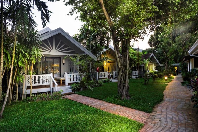 Paradise Beach ResortGarten