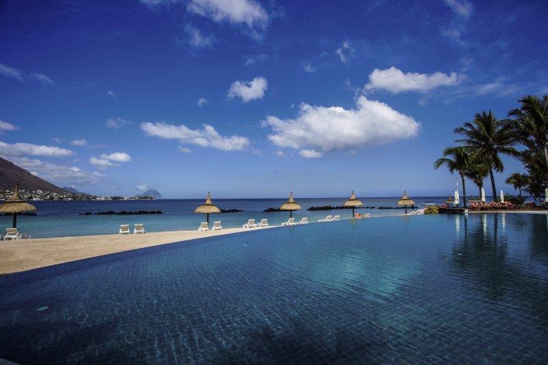 Sands Suites Resort & SpaPool