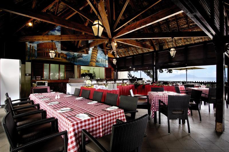 Berjaya Beau Vallon Bay Resort & CasinoRestaurant