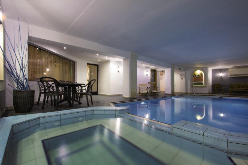 Pergola Club Hotel & SpaHallenbad