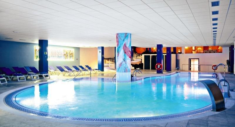 La Quinta Park Suites & SpaHallenbad