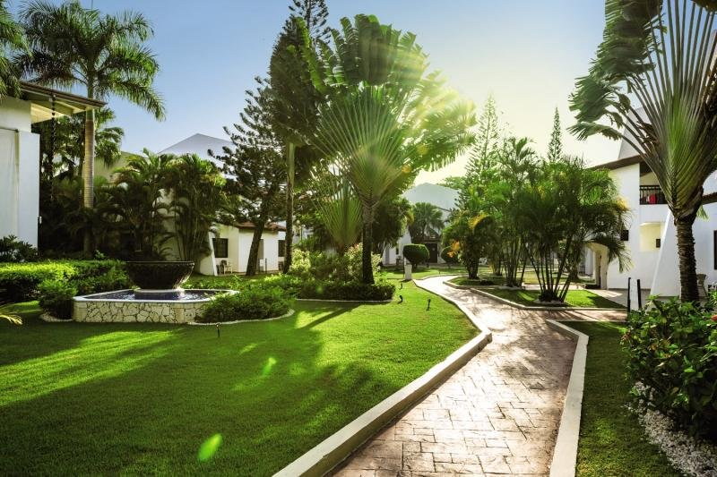BlueBay Villas Doradas - ErwachsenenhotelGarten