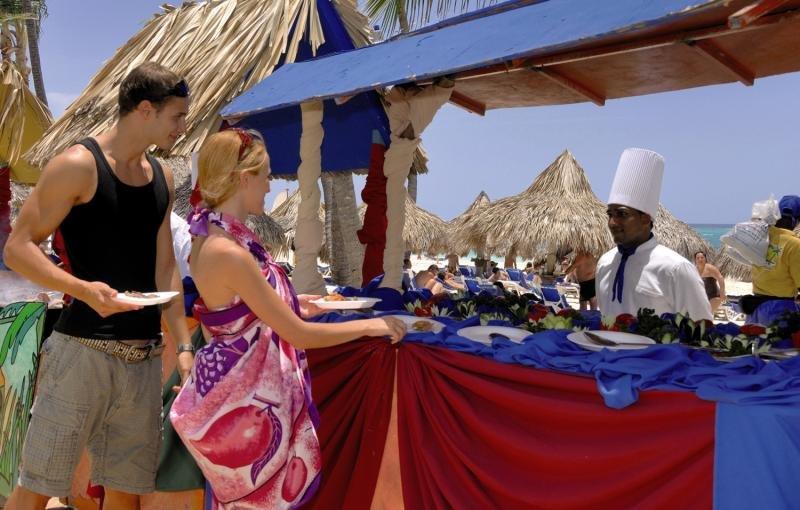 Tropical Princess Beach Resort & SpaRestaurant