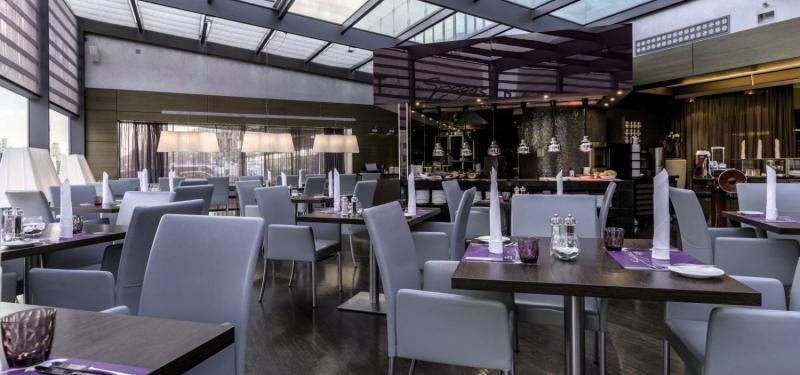 Park Inn by Radisson Berlin-AlexanderplatzRestaurant