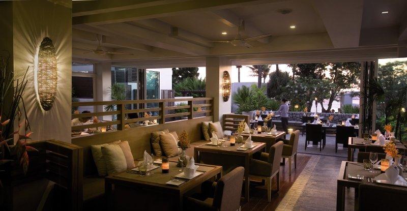 Aleenta Phuket Resort & Spa Restaurant