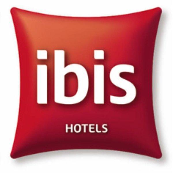 ibis Paris Porte de Bercy Logo
