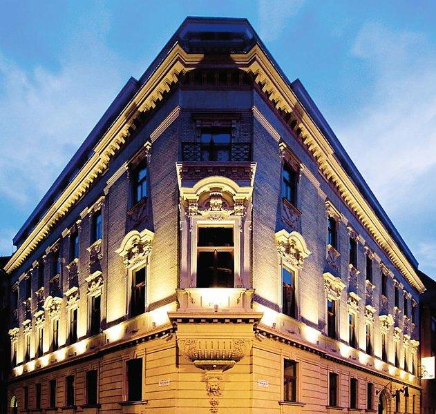 Palazzo Zichy Außenaufnahme