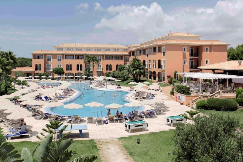 Grupotel Macarella Suites & Spa Außenaufnahme
