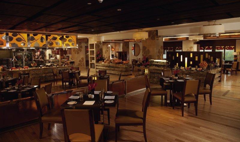 Crowne Plaza New Delhi Okhla Restaurant