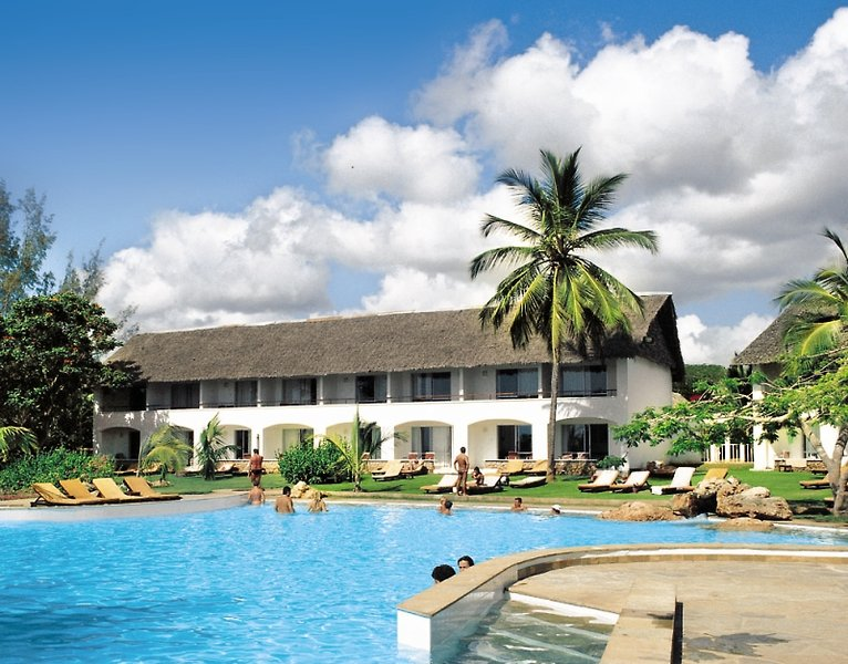 Leisure Lodge Beach & Golf Resort Pool