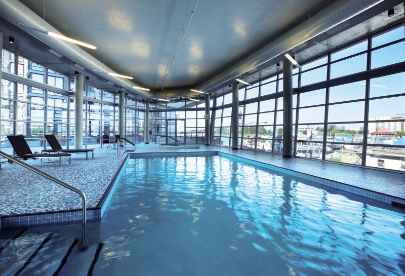 The Westin Wall Center Vancouver Airport Hallenbad