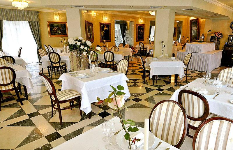 Willa Alexander Restaurant