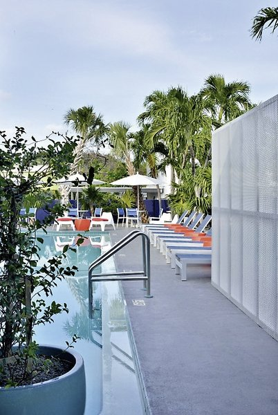 Motel Blue Marlin Pool
