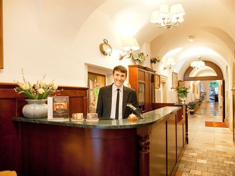 Jan Hotel Lounge/Empfang