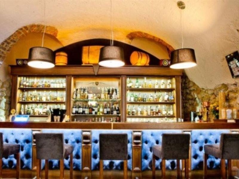 Jan Hotel Bar