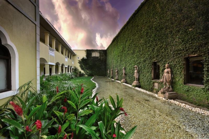 The LaLiT Golf & Spa Resort Goa Garten