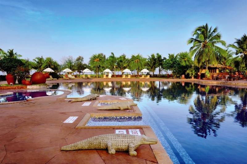 The LaLiT Golf & Spa Resort Goa Pool