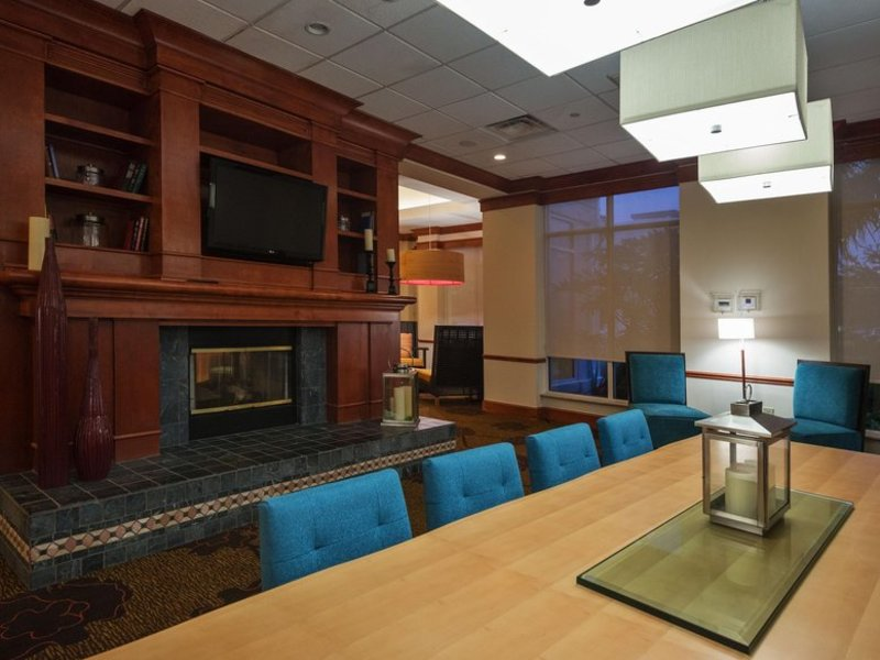 Hilton Garden Inn Lafayette / Cajundome Lounge/Empfang