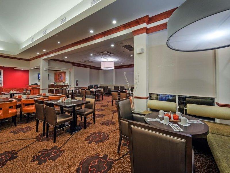 Hilton Garden Inn Lafayette / Cajundome Restaurant