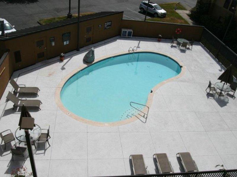 Hampton Inn Bellingham-Airport Pool