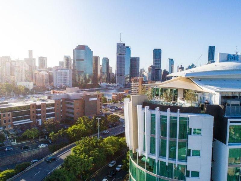 The Point Hotel Brisbane Außenaufnahme