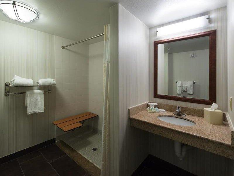 Hilton Garden Inn Lafayette / Cajundome Badezimmer