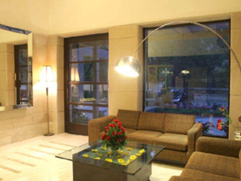 FabHotel Prime Shervani  Lounge/Empfang