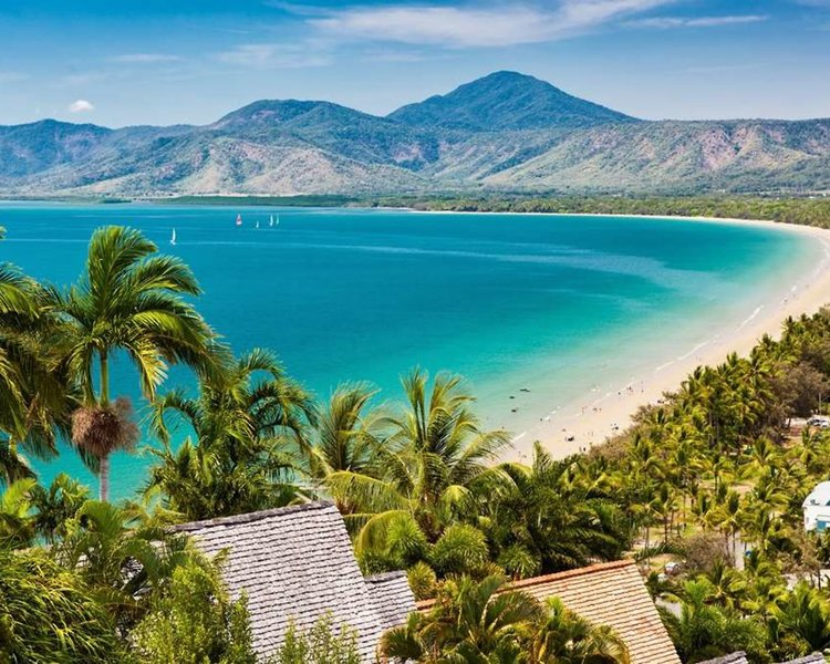 Ramada Resort Port Douglas Strand