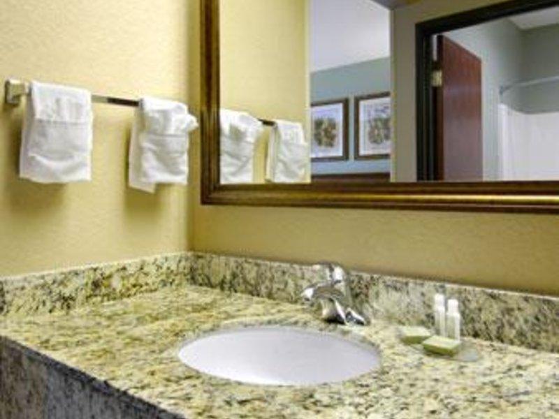 Baymont Inn & Suites Cherokee Smoky Mountains Badezimmer