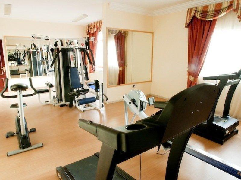 Safeer Hotel Suites Sport und Freizeit