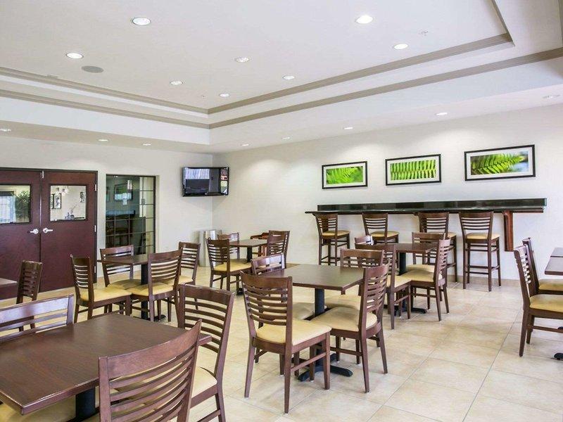 Sleep Inn & Suites Houston I-45 North Restaurant
