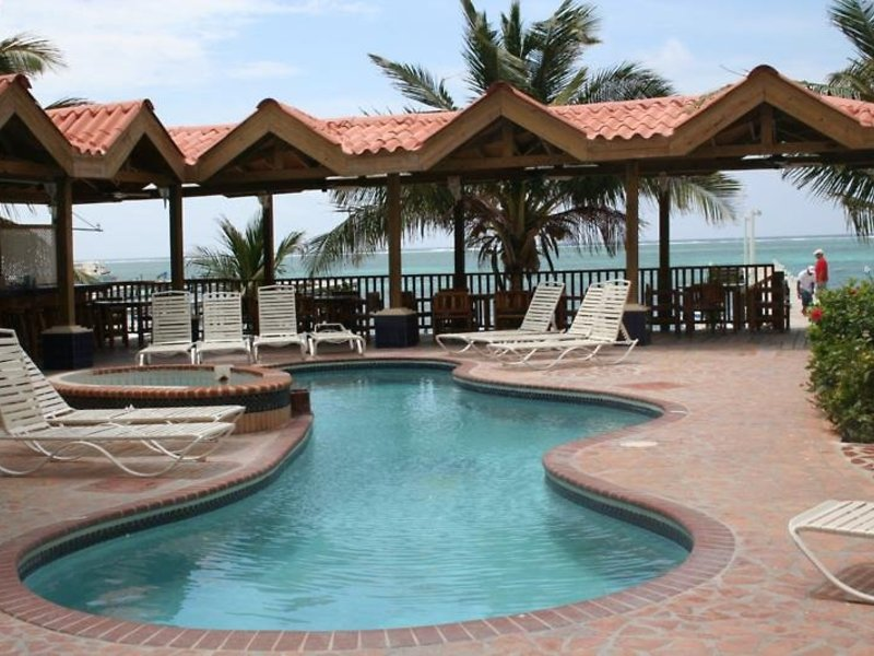 Sunbreeze Suites Pool