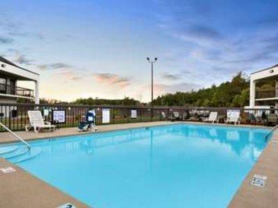 Baymont Inn Suites Florence Pool