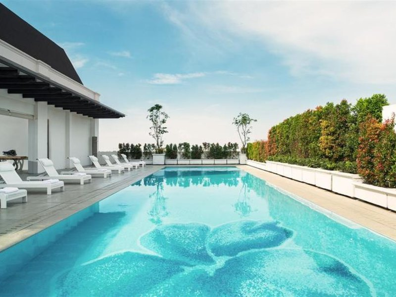 Four Points By Sheraton Bandung Pool