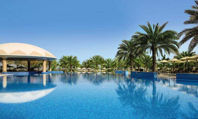 Le Royal Meridien Beach Resort & Spa Pool
