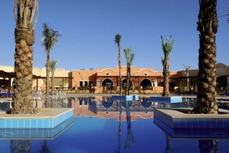 Jaz dar El Madina Pool